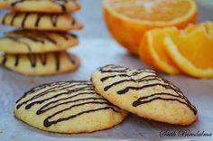 "Képtalálat a következőre: ""cookie keksz"" Orange Cookies, Hungarian Recipes, Desserts To Make, Homemade Cakes, Winter Food, Macaroons, Pavlova, Food For Thought, Cake Cookies"