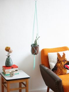 Ornaments – 'Peppermint Patty' mint green macrame hanger – a unique product by California-Dreaming on DaWanda