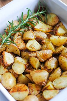 Lemon Rosemary Roasted Potatoes | La Dolce Pita