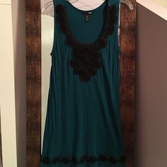 H&M dress M never worn but tags have been removed H&M dress never worn but tags have been removed size medium H&M Dresses