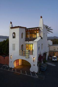 Pistachio House - 407 State Street, Santa Barbara, CA Shelton, architect Spanish Style Homes, Spanish Colonial, Spanish Revival, Spanish House Design, Spanish Bungalow, Spanish Architecture, Interior Architecture, Br House, Mexico House