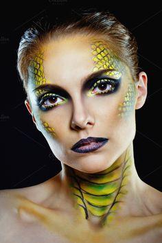 Snake girl by Elena Vagengeim on Dragon Costume Women, Lizard Costume, Dragon Halloween Costume, Looks Halloween, Halloween Face Makeup, Snake Face Paint, Dragon Makeup, Snake Girl, Fx Makeup