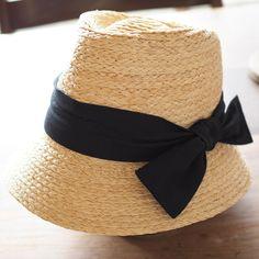 本格的な夏に向けて。  上品で可愛さがあり、おしゃれ。  カジュアルにも、ドレッシーにも、いろんなアイテムと合わせてお楽しみいただけます。   Viva La Vida RAFFIA ハット クロストワール  http://kanden43.tokyo/SHOP/201-106297.html   #HoldinghandsHerat #VivaLaVida #ラフィア #ハット #帽子 #麦わら帽子 #ファッション小物 #レディースファッション #ナチュラルファッション #ナチュラル #ナチュラル系 #セレクトショップ