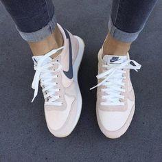 Adult Geschenke Nike W Air Max Thea Ultra SE oatmeal