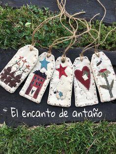 El encanto de antaño.: El Encanto Shop ( Tienda ) Felt Crafts Patterns, Fabric Crafts, Sewing Crafts, Patch Quilt, Applique Quilts, Christmas Sewing, Christmas Crafts, Felt Bookmark, Felt Gifts