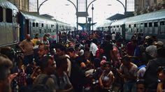 Siguen llegando refugiados a Alemania y Austria