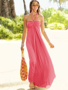 Not only is this summer maxi gorgeous but it's got a bra that's built right in! | Maxi Bra Top Dress