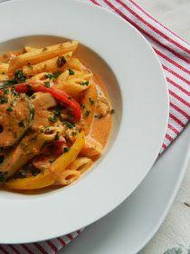 Dr Ola's kitchen: Sour cream Vegetarian Pasta. Sauerrahm Vegetarische Pasta. مكرونة بالخضروات والكريمة الحامضة