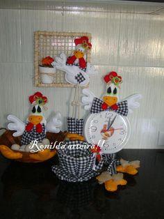 Kit galinha! porta ovos, relógio.tela e xicara!