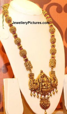 Jewelry OFF! Temple Jewellery - Page 2 of 3 Latest Indian Jewelry - Jewellery Designs Antique Jewellery Designs, Gold Earrings Designs, Gold Jewellery Design, Necklace Designs, Designer Jewellery, Antique Jewelry, Gold Temple Jewellery, Gold Jewelry, Bridal Jewellery