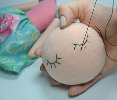 Muñecas Peg Doll, Felting Tutorials, Doll Tutorial, Sewing Dolls, Lol Dolls, Waldorf Dolls, Handmade Felt, Fabric Dolls, Diy Toys