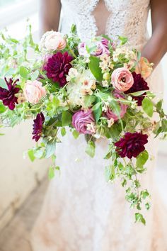 This garden inspired bouquet was a joy to design. With amazing ranunculus, roses, dahlia and mexican gyp with lush greens. Definitely a show stopper. #dallasflorists #roysecityflorists #dahliabouquet #rosebouquet #gardenbouquet #boho #wildflowerbouquet #wildroseevents www.wildroseevents.com