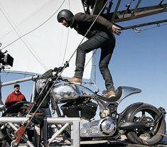 Make it With Keanu Reeves (behind the scenes)