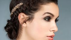 6 holiday hair ideas to freshen up your look on New Year's Eve Brunette Color, Brunette Hair, Glamorous Hair, Holiday Hairstyles, New Years Eve, Bridal Makeup, Color Inspiration, Braids, That Look