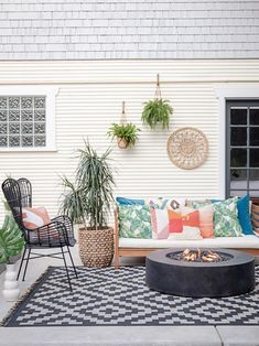 40 Chic Ideas for Patios and Porches on a Budget | HGTV Small Outdoor Spaces, Small Patio, Backyard Projects, Backyard Patio, Garden Projects, Diy Projects, Outdoor Rugs, Outdoor Living, Outdoor Decor
