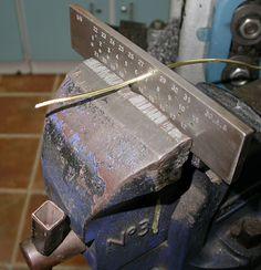 Jewelry Tutorial -Making Wire - Come si fa il filo di metallo usando laminatoio e trafila