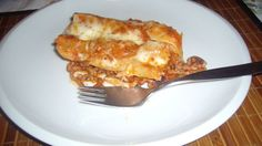 Fotorecept: Plnené cannelloni Lasagna, Macaroni And Cheese, Ale, French Toast, Breakfast, Ethnic Recipes, Food, Lasagne, Breakfast Cafe