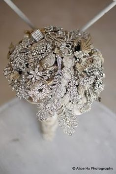 I just found the perfect thing to add to my bouquet so my Nanny can be at my wedding in spirit. Ill add a broch to my bouquet. Bling Wedding, Dream Wedding, Wedding Day, Wedding Stuff, Wedding Photos, Crystal Wedding, Hotel Wedding, Broschen Bouquets, Wedding Bouquets
