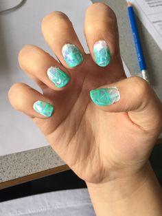 #white #turquoise #ombre #brokenglass #nails #nailfoil #unicorn #essie #kiko