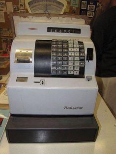Pénztárgép Radios, Office Phone, Budapest, Childhood Memories, Retro Vintage, Bratislava, Old Things, Ohio, Design