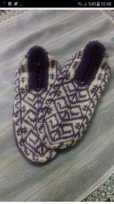 Knitting Socks, Eminem, Charts, Diy And Crafts, Slippers, Crochet, Pattern, Decor, Fashion