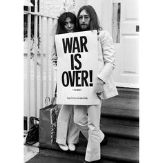 Here's another one for today's protest placards #FontSunday. In December 1969 John and Yoko launched an international multimedia campaign   at the height of the counterculture movement and its protests against America's involvement in the Vietnam War - @anthonyburrill