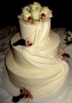 My wedding cake. From sugarkneads.com. Flowers by TruSo weddings!