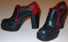 VINTAGE PLATFORM SHOES 1970s HIGH HEEL FESTIVE GREEN & RED LEATHER WOMENS SZ 7 #Heels