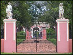 Palacio San Jose. Fue la residencia del 1° presidente Constitucional de Argentina: Justo Jose De Urquiza. Esta en Caseros distante de Concepcion del Uruguay 30 km. Entre Rios, Argentina