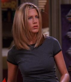 Rachel Green Hair, Rachel Green Style, Rachel Green Outfits, Jennifer Aniston Hair Friends, Jennifer Aniston Pictures, Jenifer Aniston, Rachel Friends, Friends Tv, Medium Hair Styles