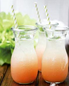 Je kunt de sapflessen van WECK niet alleen gebruiken om te wecken of ontsappen maar je kunt er ook hele leuke drankjes in serveren. Bijgaand het recept van mijn favoriete aperol drankje maar denk bv ook aan cola, limonade of zelf gemaakt sap voor een kinderfeestje.