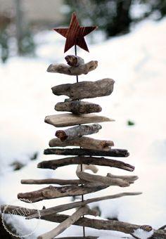 Weihnachtsbaum aus Schwemmhölzern :: DIY driftwood Christmas tree