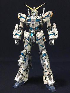 Custom Build: MG Full Armor Unicorn Gundam Ver. Transformers, Sf Movies, Unicorn Gundam, Sci Fi Models, Gunpla Custom, Custom Paint Jobs, Movie Props, Mobile Suit, New Builds