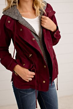 Fall Outfits Need this layered utility jacket for fall! So cute! Mode Outfits, Casual Outfits, Fashion Outfits, Womens Fashion, Casual Wear, Casual Fall, Fashion Clothes, Casual Dresses, Teen Dresses