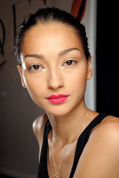 This lip color.  On Bruna Tenorio