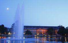 'Neues Schloss, Stuttgart, Baden-Württemberg, Deutschland, Europa' von Torsten Krüger bei artflakes.com als Poster oder Kunstdruck $7.55