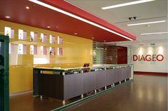 Diageo, Construcción: ATXK Interior Construction / Proyecto Arquitectónico: Peschard Architects & Orbitz / Gerencia de proyecto: Jones Lang LaSalle / #Interiors #Arquitectura #Design #Interiores #Corporativos