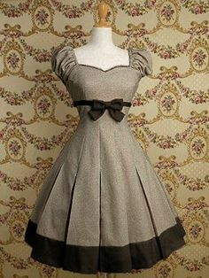 Moda vintage outfits chic simple ideas for 2019 Pretty Outfits, Pretty Dresses, Beautiful Outfits, Cute Outfits, Vintage Dresses, Vintage Outfits, Vintage Fashion, Vintage Style, Vintage Inspired