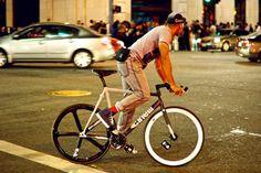 Cinelli Bike Messenger, Push Bikes, Speed Bike, Fixed Gear Bike, Bike Store, Bike Design, Sport Bikes, Cool Bikes, Road Bike