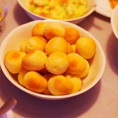 焼きたてポンデケージョ。タピオカ粉でもちもち食感、カレー粉を入れて風味豊かになりました。( ´ ▽ ` )ノ