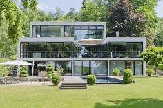 Einzigartiges Architektur-Highlight mit Pool, Bootshaus und eigenem Badesteg direkt am See  http://www.riedel-immobilien.de/angebote/alle-angebote/angebote-detail/668/