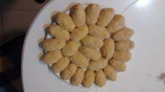 ¡Otro plato de croquetas!  Ahora hay para más personas, ¿cuántas croquetas hay?, entonces, ¿qué fracción representa cada croqueta?