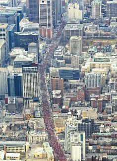 Huge protest in Montreal against a hike in university tuition fees - medias say there were 200 000 people in the streets. The power of the people! Montreal Canada, Montreal Quebec, O Canada, World Trade Center, Simply Beautiful, Marie, City Photo, University, Tights