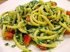 Nudeln mit Spinat, Schafskäse und Tomate, ein beliebtes Rezept mit Bild aus der Kategorie Nudeln. 420 Bewertungen: Ø 4,4. Tags: Beilage, einfach, gekocht, Gemüse, Hauptspeise, Nudeln, Schnell, Vegetarisch