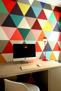 Wall design at workspace. office. desk. interior design. colors. home // Pared de diseño en el despacho. oficina. escritorio. colores. interiorismo. casa.