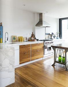 good reads: covet home / sfgirlbybay Home Design, Küchen Design, Home Interior, Kitchen Interior, Interior Design, Layout Design, Kitchen Dining, Kitchen Decor, Kitchen Board