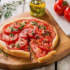 Tarte à la tomate, moutarde et herbes de Provence