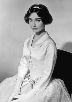 Audrey Hepburn-Love in the Afternoon