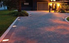 Most Popular Modern Driveway Paving Ideas and Layouts Brick Pathway, Driveway Paving, Driveway Design, Driveway Entrance, Driveway Landscaping, Front Garden Ideas Driveway, Landscaping Rocks, Hillside Landscaping, Driveway Lighting