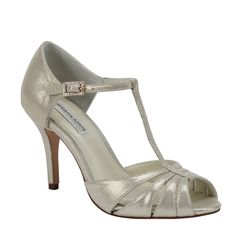 Gold Benjamin Adams Blake Bridal Shoes http://www.bellissimabridalshoes.com/bridal-shoes/Gold-Benjamin-Adams-Blake-Bridal-Shoes Has a low heel with strappy front toe and a sleek T-Strap design.